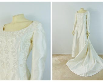 Vintage Wedding Dress Designer Bianche 60s Wedding Dress w/ Removable Cape Iridescent Beads Long Sleeves Size Small to Medium