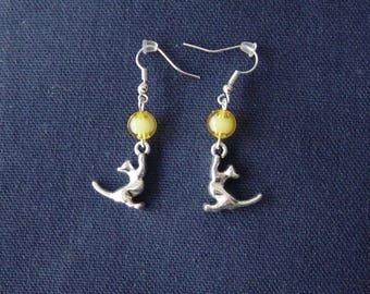 Cat 3D yellow ball earrings