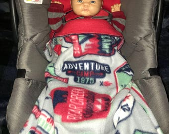 BabyRoo XL- the ultimate car seat cover! Adventure Camp/Red