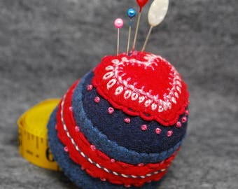 IN STOCK free ship - Heartthrob Bottlecap Pincushion