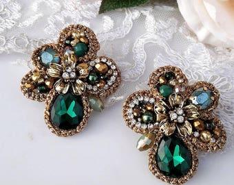 Emerald green earrings - clip on earrings