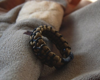 "Paracord bracelet - ""Zs"" - with microcord - stitched - woven - cobra"