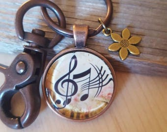 Musical Note Pendant Key Chain, Music Lover Key Chain, Antique Copper Key Chain, Flower Jewelry, Music Key Chain, Flower Charm