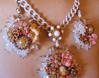 GATEAU statement necklace