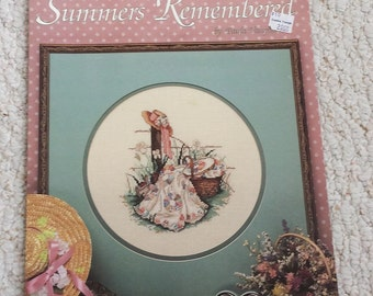 Cross Stitch Leaflet - Summers Remembered - by Leisure Arts No. 392 - two Vintage Summer scenes