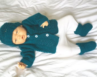 Vest, hand knitted hat and booties set