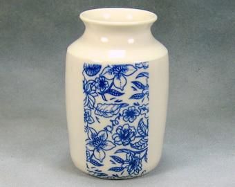 Porcelain Bud Vase Hand Thrown Ceramic Bud Vase With Blue and White design 5