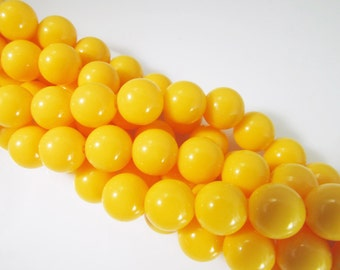 60 Vintage 8mm Bright Yellow Acrylic Beads Bd1106
