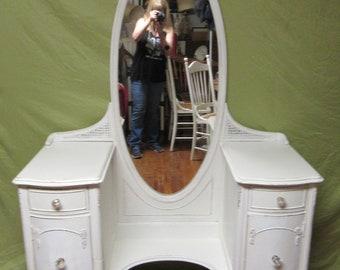 Antique shabby chic white vanity