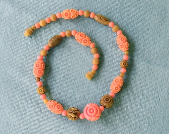 Vintage 1930s | Art Deco | Carved Celluloid Beaded Necklace | Coral and Olive
