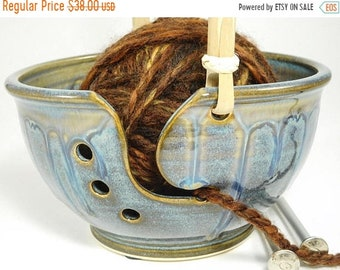 ON SALE Handled Yarn Bowl - Yarn Bowl Pottery - Organizer for Yarn - Yarn Pottery - Yarn Holder Knitting - Caddy for Knitting - In Stock