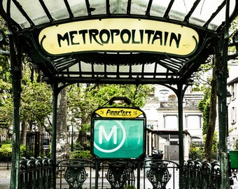 Metropolitan Paris -  Street Photography - Urban Decor - Shabby Chic - Montmarte - Street Photography  - Metropolitan - 0023