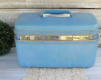 60's Vintage Samsonite Travel Traincase - Retro Mid Century Luggage - Hardshell Make up Case silhouette