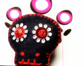 Sugar Skull Wool Felt Pin - Black