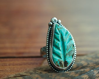 Carved Turquoise Leaf Ring, Southwestern Ring, Size 7, Boho Jewelry, Nature Jewelry, Sterling Silver Necklace