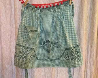 Apron Vintage Teal, White, and Teal