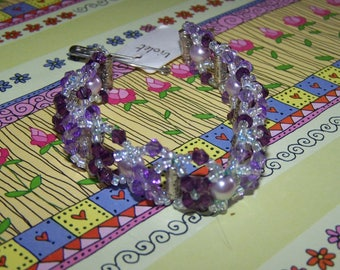 costume jewelry bracelet in Tibetan silver and glass beads