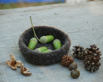 Felted wool bowl, brown wool, Waldorf Nature Table, autumn, fall décor, natural toy, season table