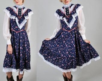 vintage 1970s/80s  GUNNE SAX floral and lace prairie dress        A3
