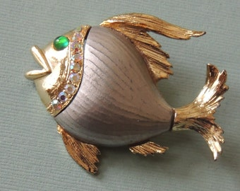 1970s FISH Brooch with Rhinestones