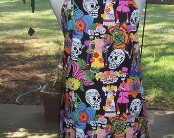 Womens Full Apron, Day of the Dead Apron, Sugar Skulls Apron, Black Apron, Los Novios Apron, Bib Apron, Kitchen Apron, Pocket Apron, Aprons,
