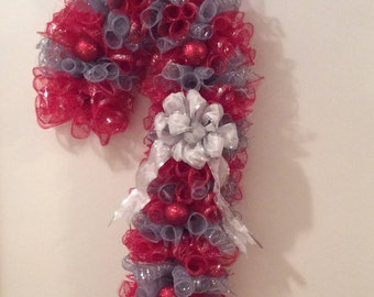 Candy cane red and silver red ornaments wreath 25""