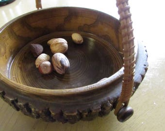 Vintage Wood Nut Bowl Mid Century Tree Bark Nut Bowl Nut Basket Fall Autumn Entertaining Cabin Decor