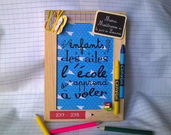 Cadeau maîtresse personnalisable, cadre école, citation, ardoise personnalisée, papillon crayons, année scolaire, école maternelle