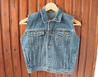 90's Vintage Sturdy Blue Denim Sleeveless Jean Vest for Girls