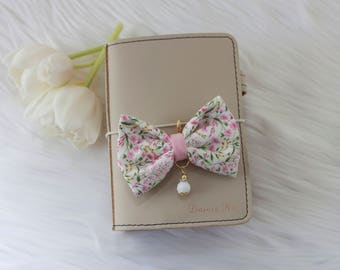 Dainty Bow Planner Charm in Pink Garden
