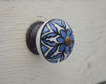 Ceramic Drawer Knobs in Blue and White With Bonze, Hand-painted, Drawer Pull, Cabinet Pull, Cabinet Knobs