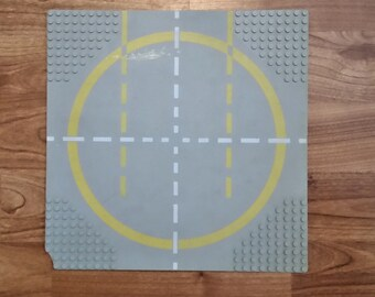 Lego Baseplate 9-Stud Landing Pad with Yellow Circle 1-way Lines Pattern 6099px2