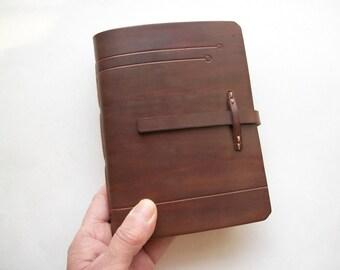 Cuaderno de cuero. Libro de cuero. Diario o cuaderno de cuero. Libro en blanco. 4.7 x 6,3 pulgadas. Color marrón oscuro.