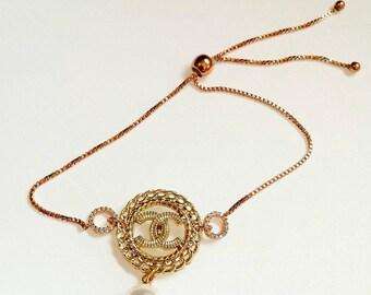 Neue  Armband aus Knopf  und Rose Gold plated Kette mit  Zirconia  Elemente . Statement jewelry .Boho Style