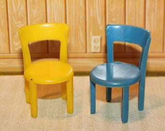 Marx hard plastic dollhouse furniture, Traditional style  round seat chairs set of 2, half scale, tin litho