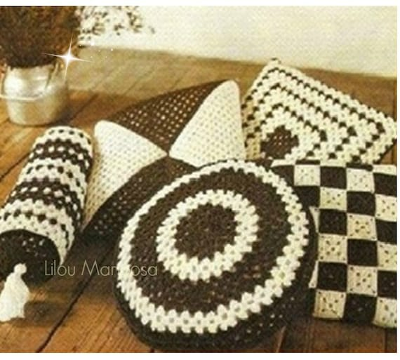 Crochet CUSHION Pattern Vintage 70s Granny Pillow Covers