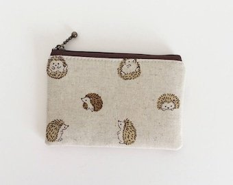 mini zipper pouch  - round hedgehog in natural