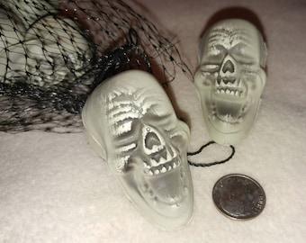tiny plastic skulls skeleton head Halloween decoration