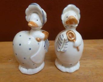 Fitz & Floyd FF shakers hen pair chicken salt and pepper