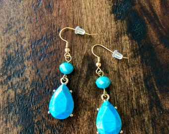 Set Turquoise Howlite drop earrings
