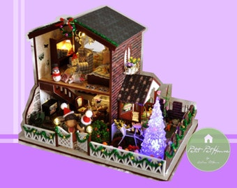 1:24 Scale Christmas Miniature Themed Dollhouse with Light Changing LED Christmas Tree [PH24H211] - FREE SHIPPING