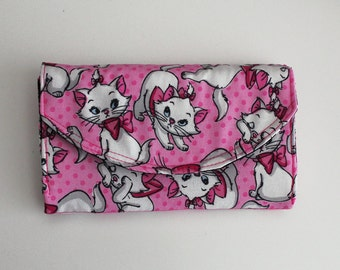Disney Marie Wallet The Aristocats Quilted Accordion Style Clutch Wallet with 10 card slots and zipper pockets