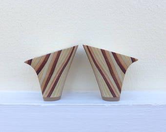 1 pair of 2 1/2 inch (6.5 cm) striped upholstered plastic women shoemaking/shoe repair heels with heel tips