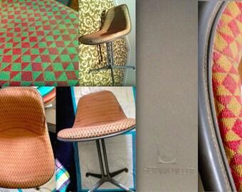 2 EAMES LA FONDA Alexander Girard diamond pattern Millmosaic green red fabric original vintage Herman Miller collectible side chair shells