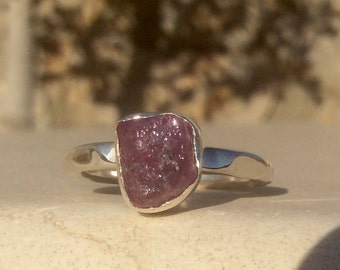 Raw Stone Ring, US 7.25, Pink Sapphire Silver Ring, Raw Pink Stone Ring, Rough Gemstone Ring, Rough Pink Sapphire Ring, Bridesmaid Jewellery