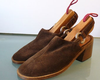 Vintage Sandler Of Boston Made in Italy  Suede Slingbacks Size 5.5 US