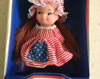 Vintage Pee Wees From Around the World / Uneeda Doll Co., Inc. / Pocket Doll