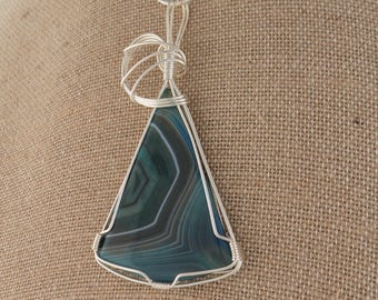 Exquisite Silver Wire Wrapped Triangle Banded Green Agate with snake chain