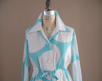 Chenille  Robe, Vintage Early 1970s Turquoise and White Saucer Dot Print Chenille Lounger