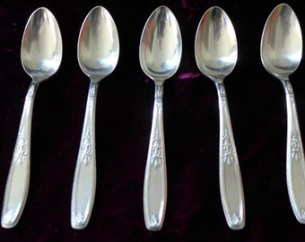 """French Style 1847 Rogers Ambassador Pattern Antique Silver Tea Spoons (5) 6""""L V.G - Excellent"""